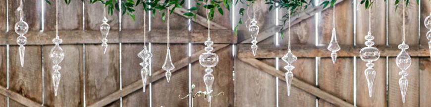 Glas dekorationer og kugler