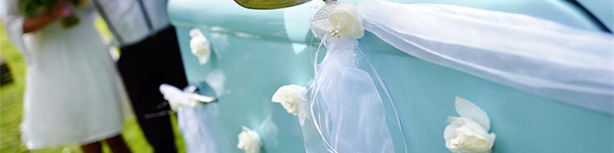 Sløjfer blomster og guirlander